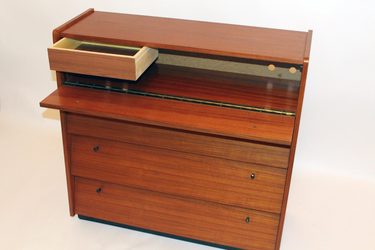 petit meuble chaussures vintage avec portes rabattables et un tiroir en vente sur pamono. Black Bedroom Furniture Sets. Home Design Ideas