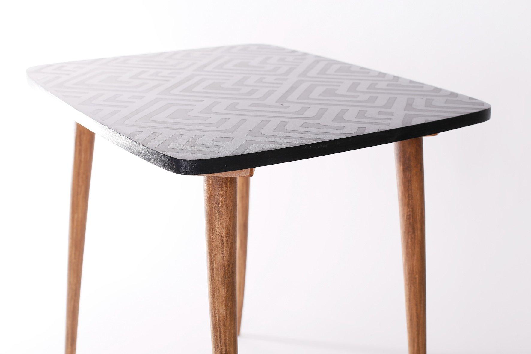 vintage beistelltisch mit geometrischem muster 1960er bei pamono kaufen. Black Bedroom Furniture Sets. Home Design Ideas