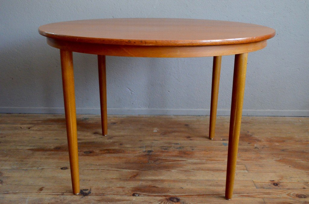 Vintage Scandinavian Round Table From Farstrup, 1960s