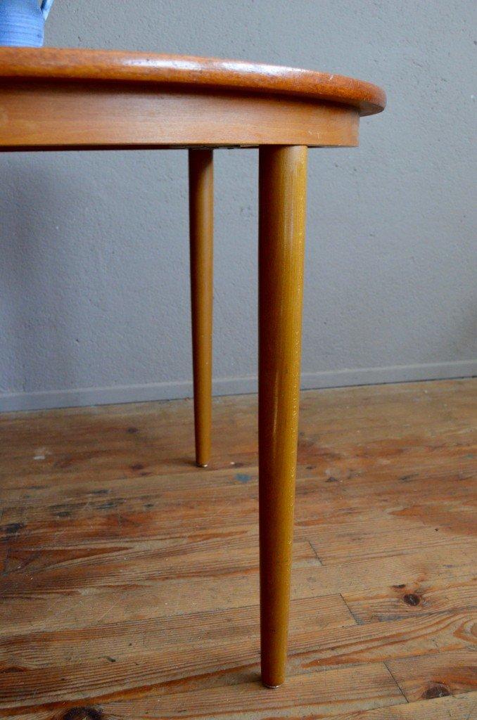 runder skandinavischer vintage tisch von farstrup 1960er bei pamono kaufen. Black Bedroom Furniture Sets. Home Design Ideas