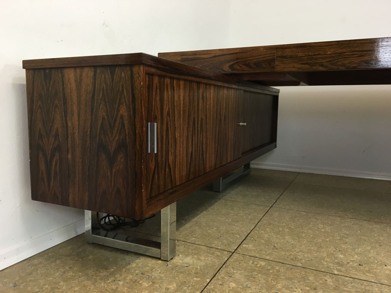 palisander schreibtisch mit sideboard 1960er bei pamono kaufen. Black Bedroom Furniture Sets. Home Design Ideas