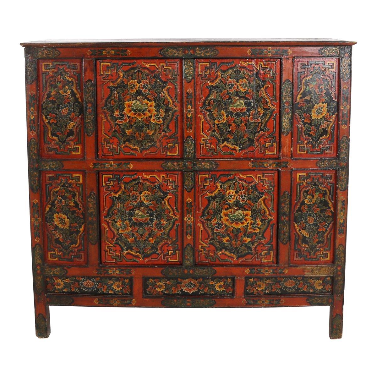 Charmant Antique Tibetan Cabinet