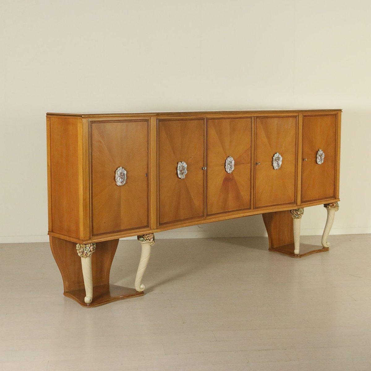italienisches sideboard aus kirschholz mit zierkeramik 1950er bei pamono kaufen. Black Bedroom Furniture Sets. Home Design Ideas