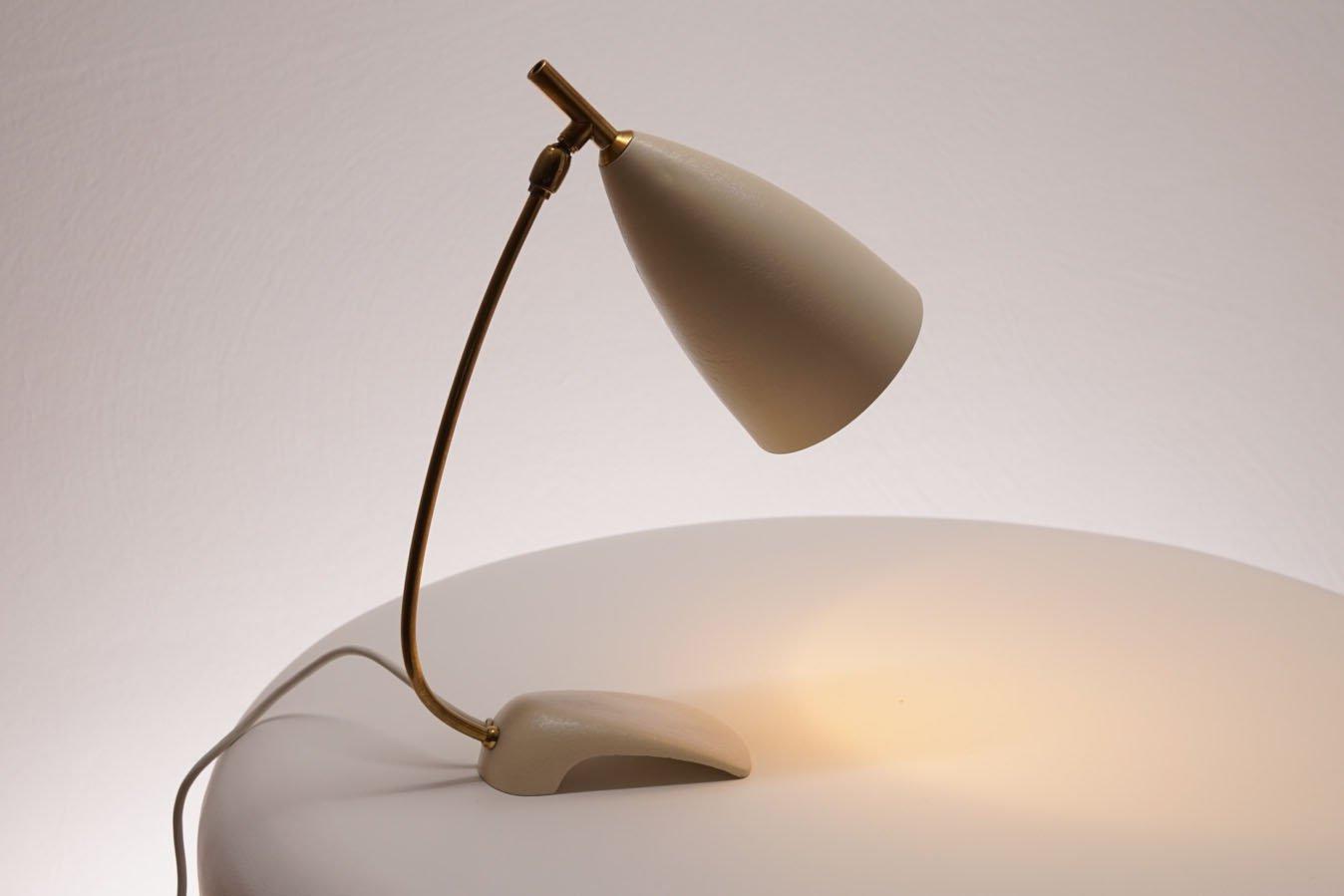 lampe de bureau mid century blanche en vente sur pamono. Black Bedroom Furniture Sets. Home Design Ideas