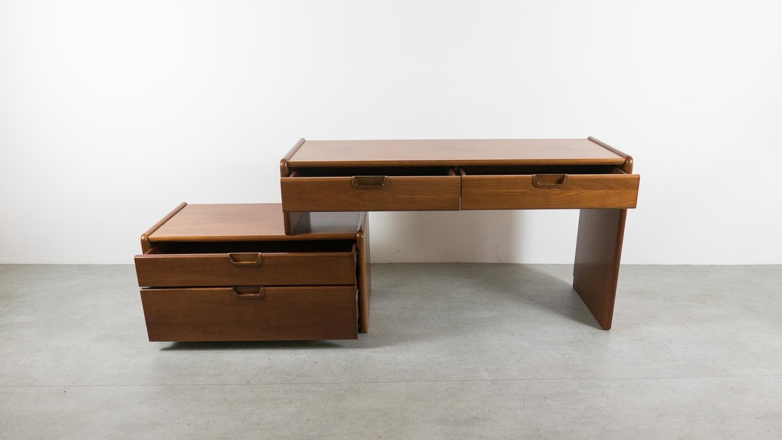 mid century schreibtisch mit lagerfach von moser bei. Black Bedroom Furniture Sets. Home Design Ideas