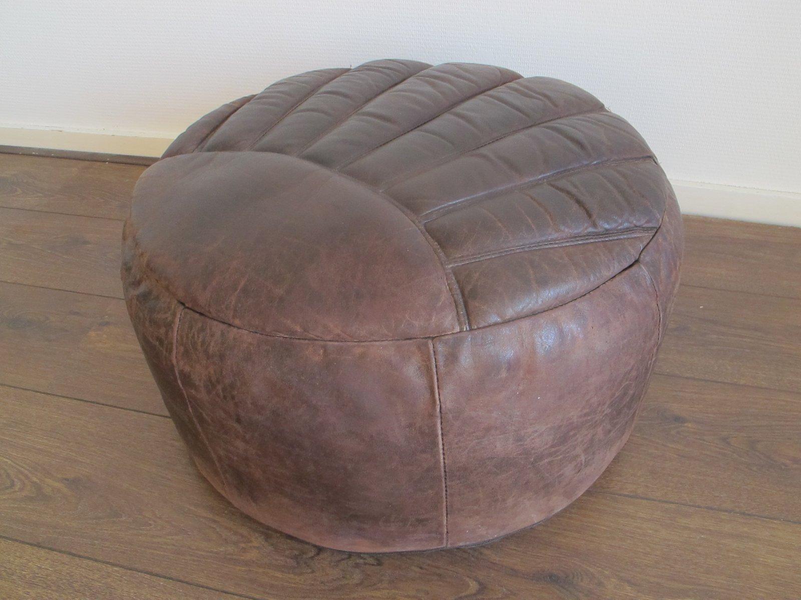 Pouf vintage in pelle marrone, anni \'60 in vendita su Pamono