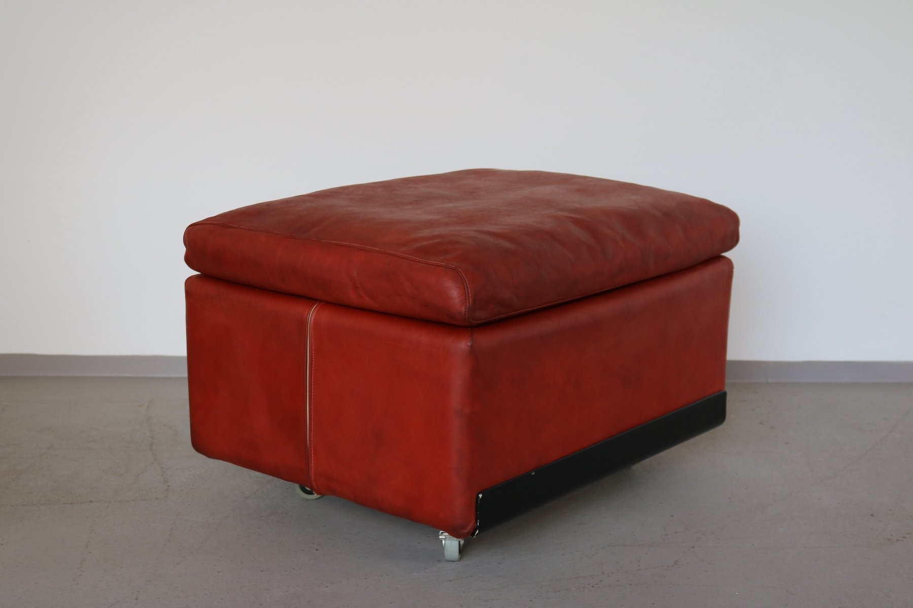 620 Highback Leather Lounge Chair U0026 Ottoman By Dieter Rams For Vitsoe,  1960s 12. $2,431.00. Price Per Set