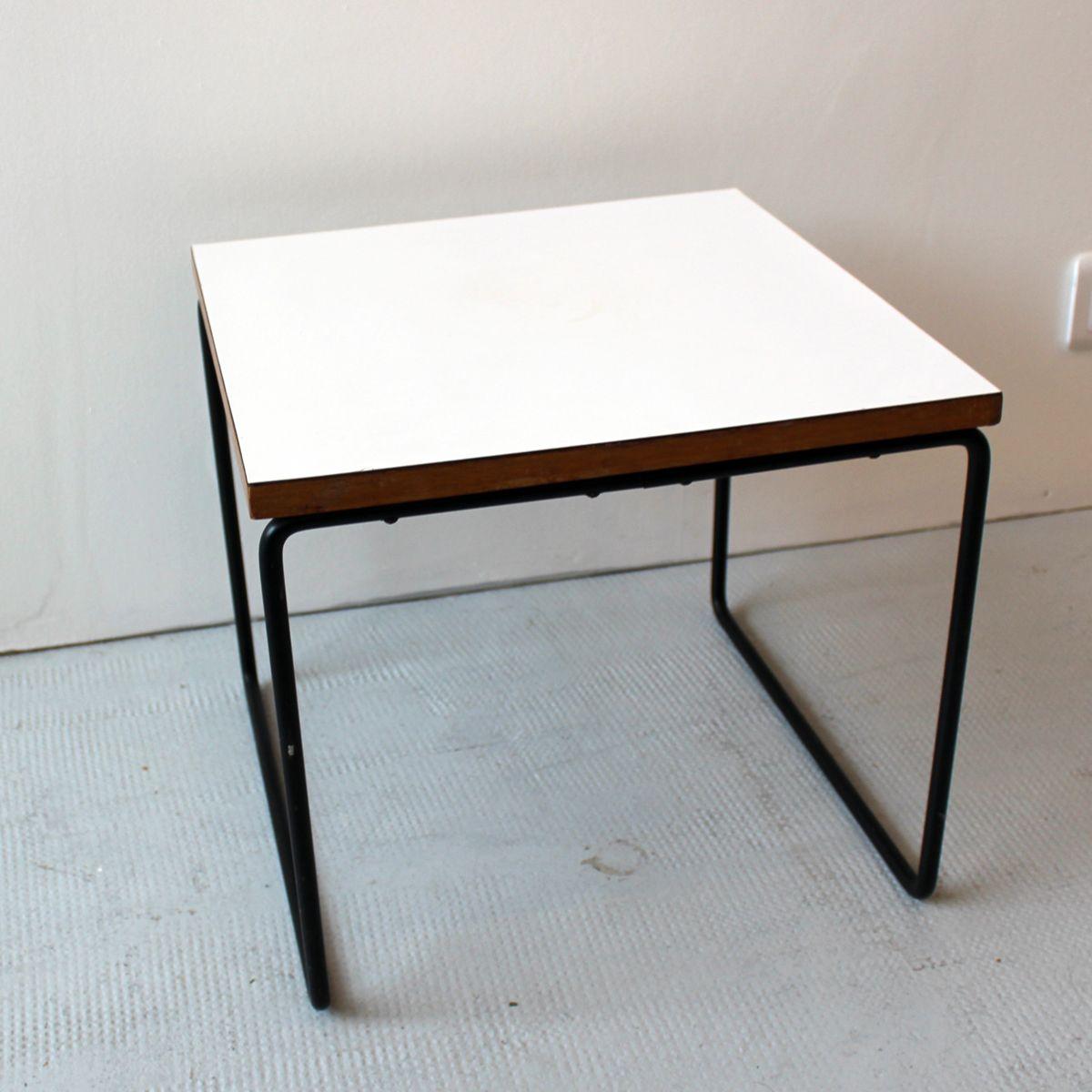 table d 39 appoint flying vintage par pierre guariche pour steiner 1960s en vente sur pamono. Black Bedroom Furniture Sets. Home Design Ideas