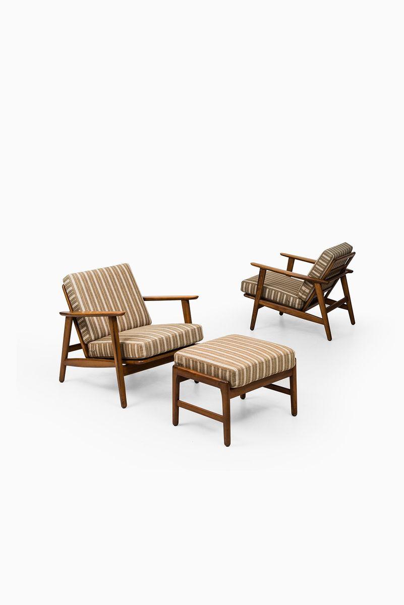 mid century ge 233 sessel und hocker von hans wegner f r. Black Bedroom Furniture Sets. Home Design Ideas