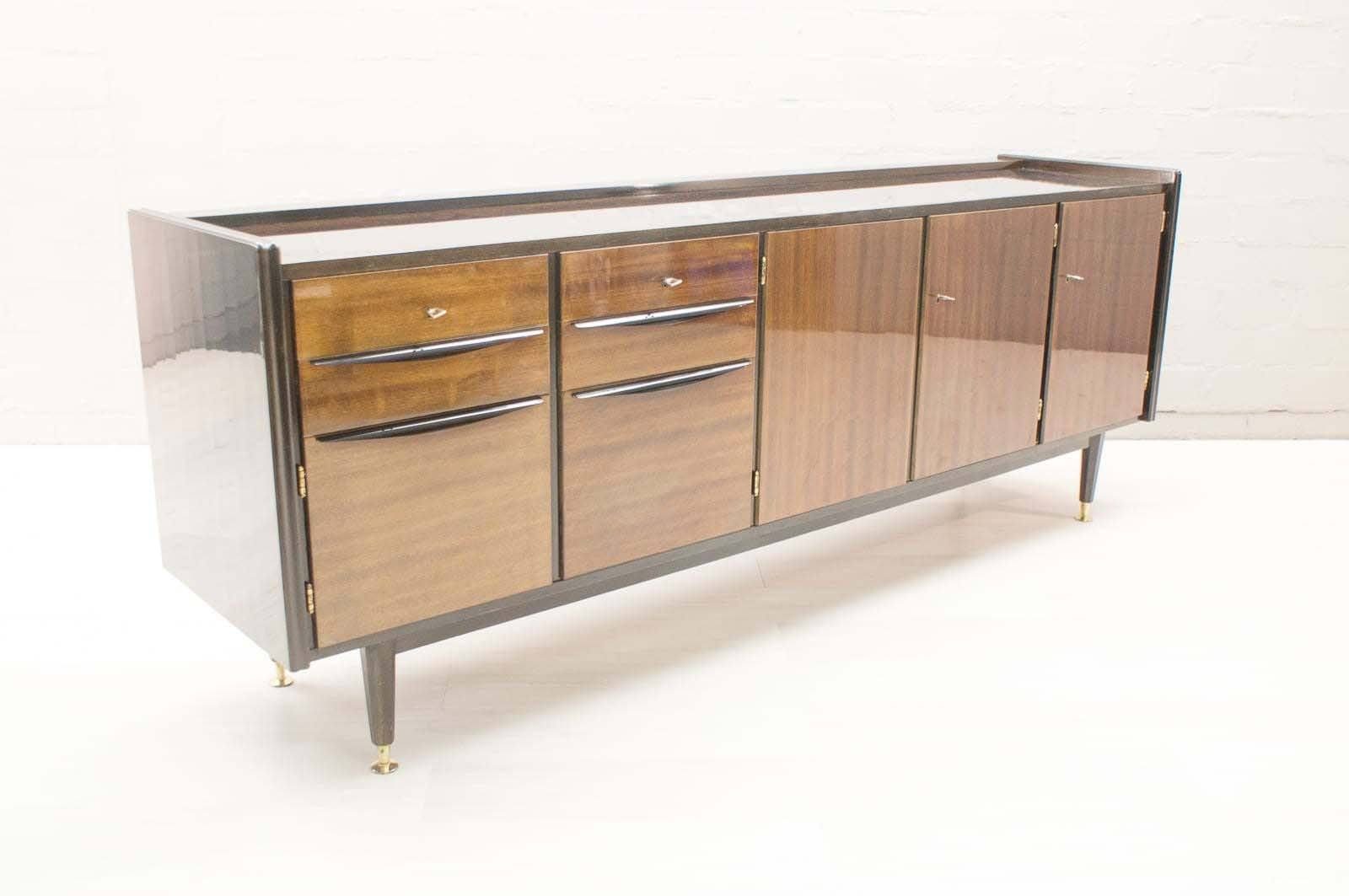 gro es mid century sideboard mit beleuchteter bar bei pamono kaufen. Black Bedroom Furniture Sets. Home Design Ideas