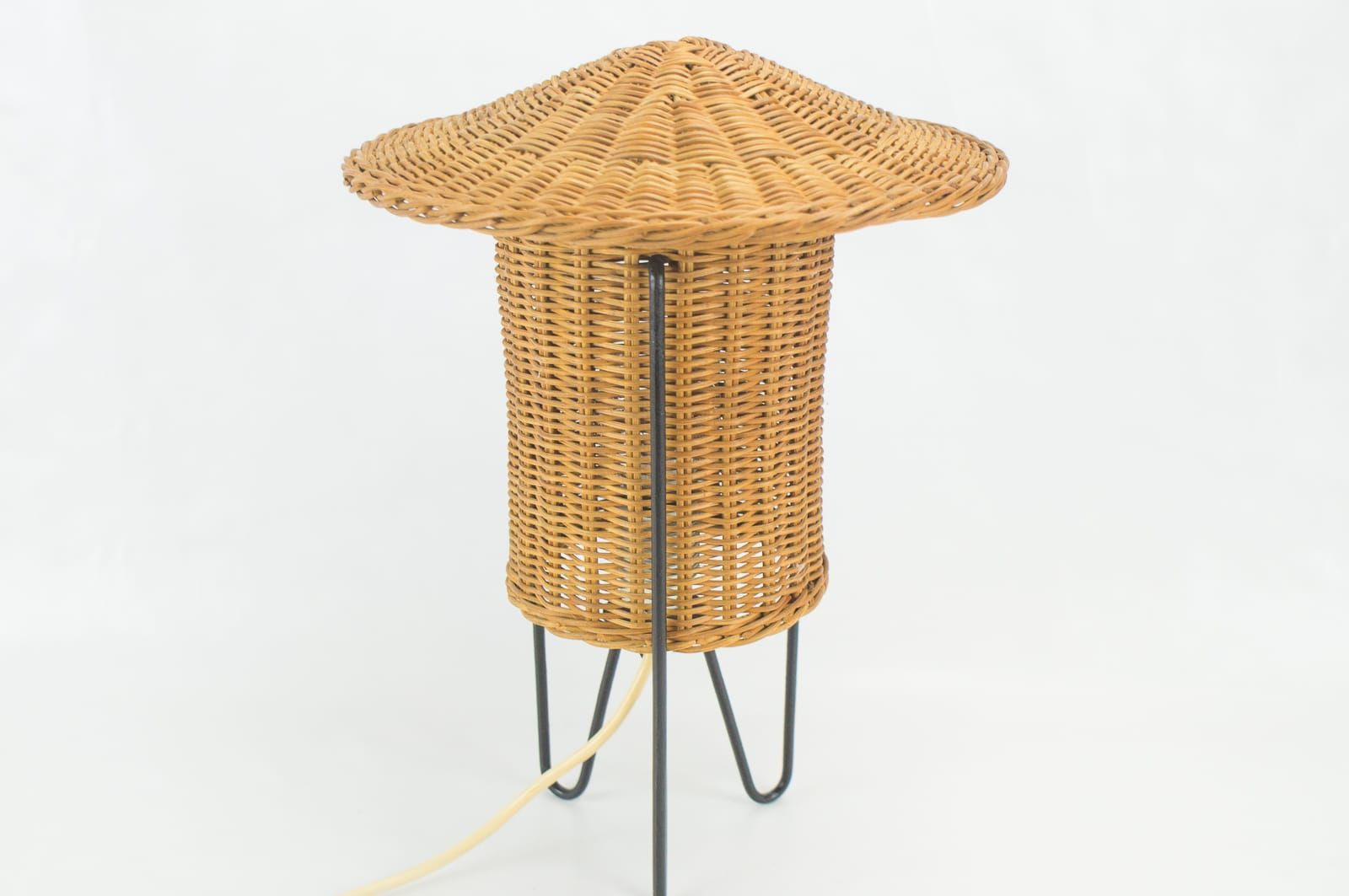 Austrian rattan table lamp 1950s for sale at pamono austrian rattan table lamp 1950s 5 38500 aloadofball