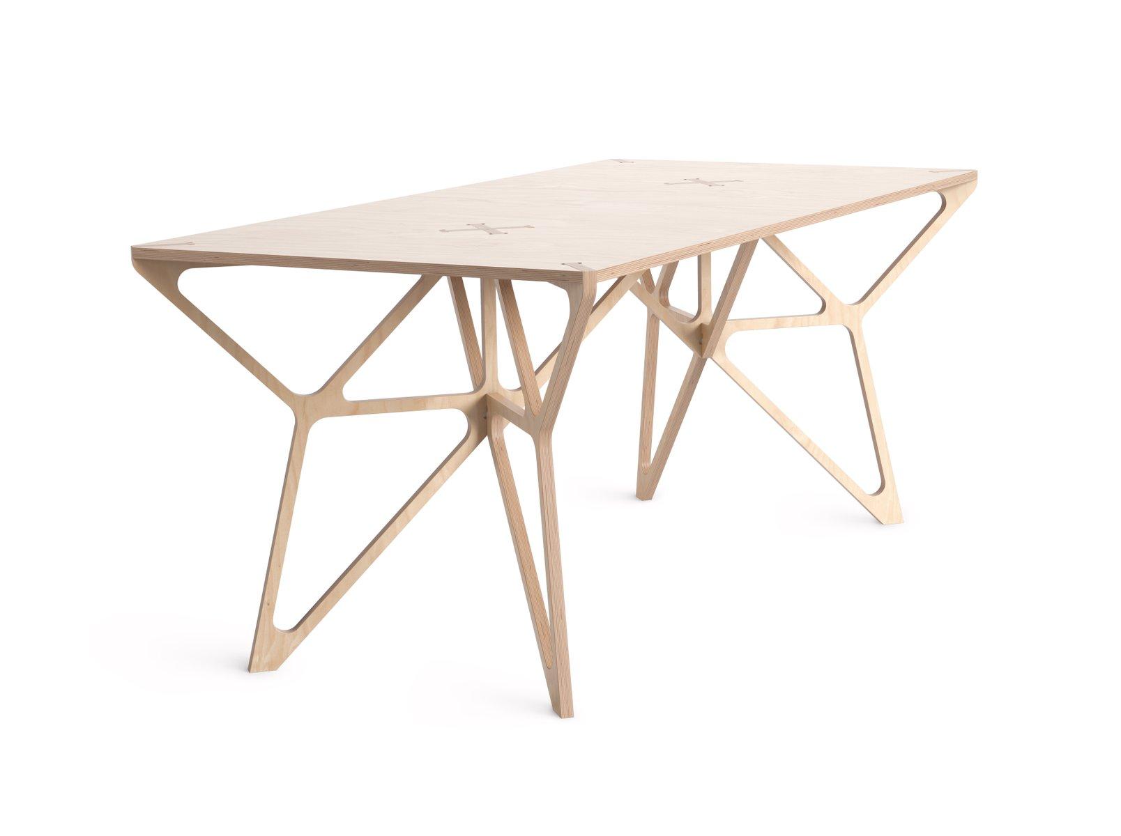 First Tisch von Almost