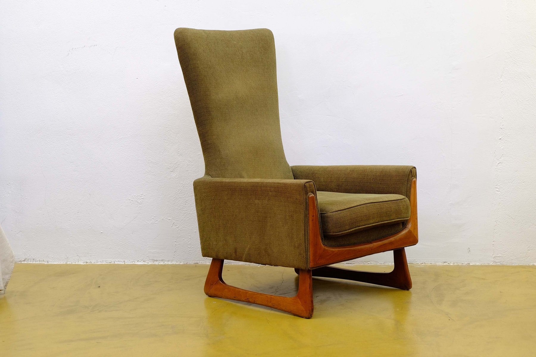 Mid Century American Walnut Lounge Chair By Adrian Pearsall