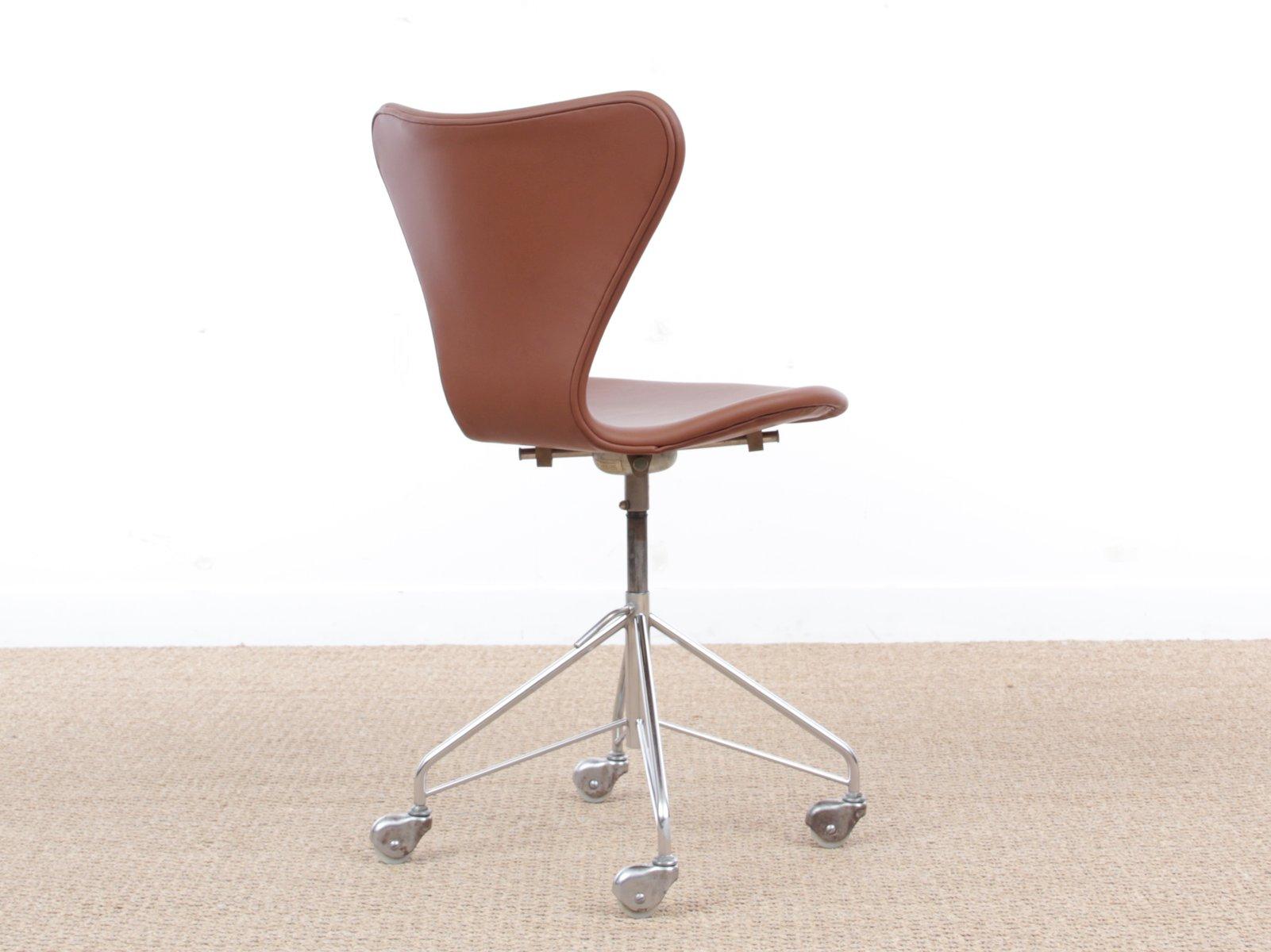 Mid Century Modern Model 3117 Desk Chair By Arne Jacobsen For Fritz Hansen 1969