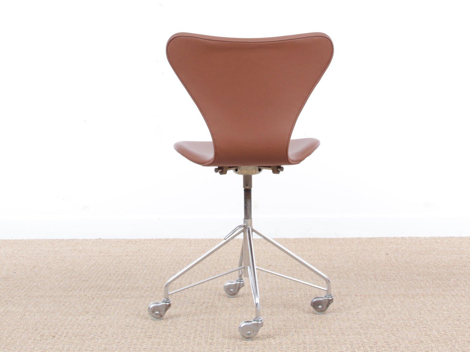 Mid Century Modern Model 3117 Desk Chair By Arne Jacobsen For Fritz