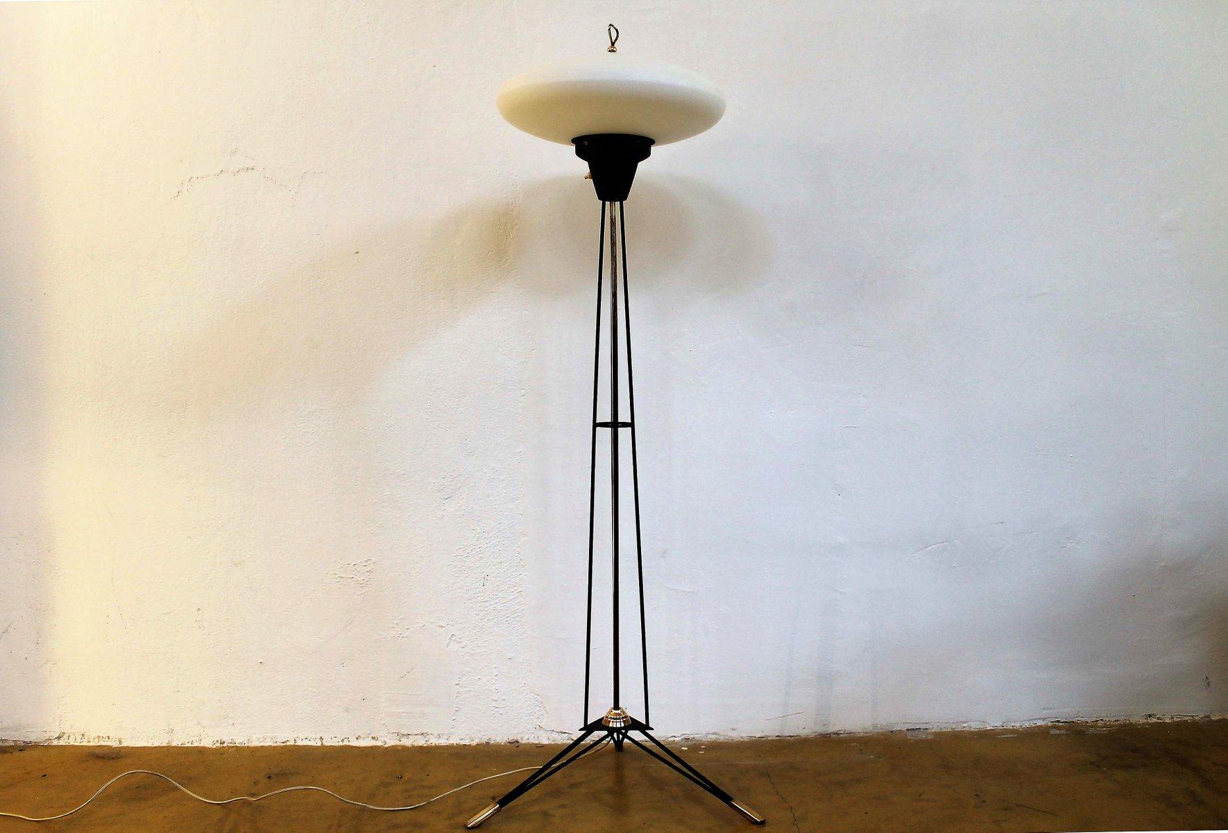 Italienische Mid-Century Dreibein Stehlampe von Stilnovo, 1950er