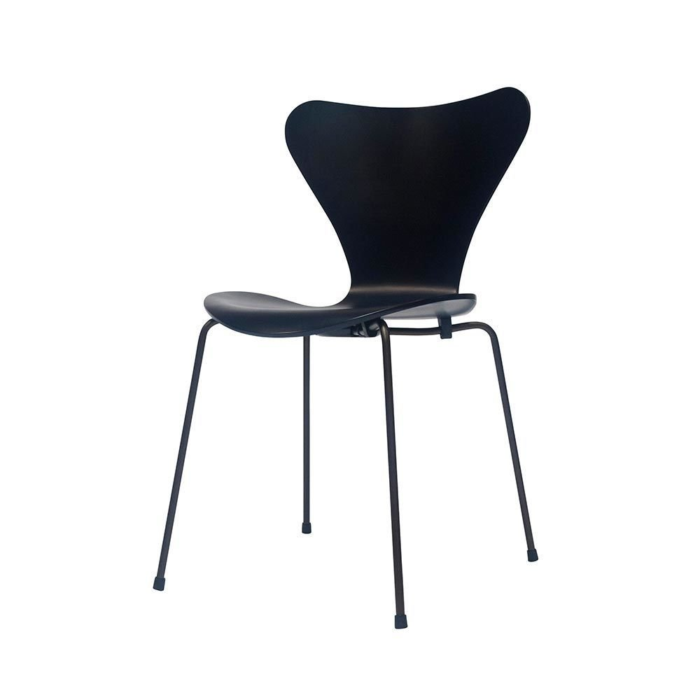 3107 Chair By Arne Jacobsen For Fritz Hansen For Sale At