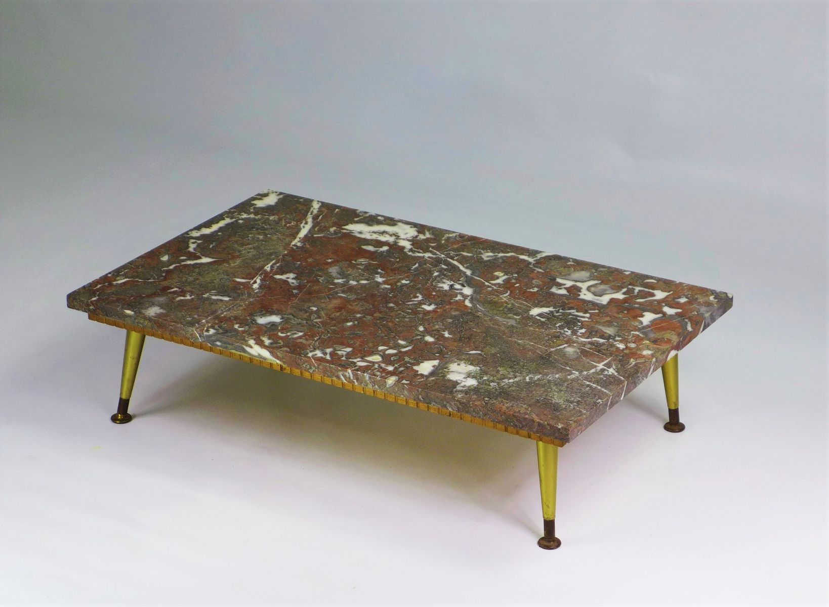 table basse avec plateau en marbre 1950s en vente sur pamono. Black Bedroom Furniture Sets. Home Design Ideas