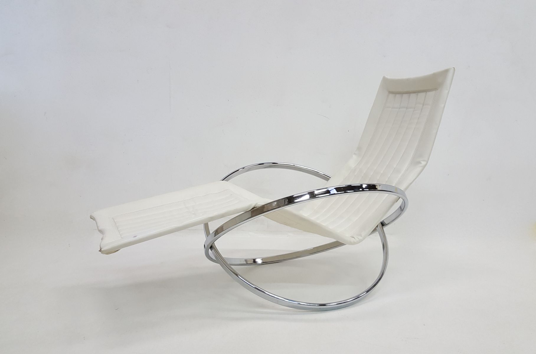 Vintage jet star folding chaise lounge by roger lecal