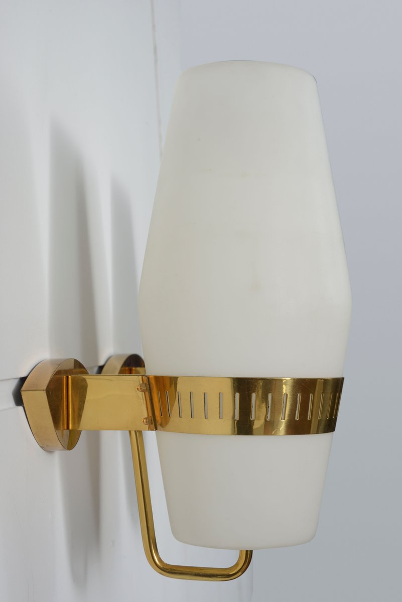 Vintage Wandlampen aus Messing & Opalglas von Stilnovo, 2er Set