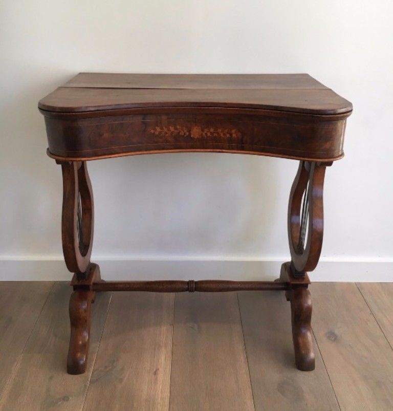 Delicieux Antique Walnut Table