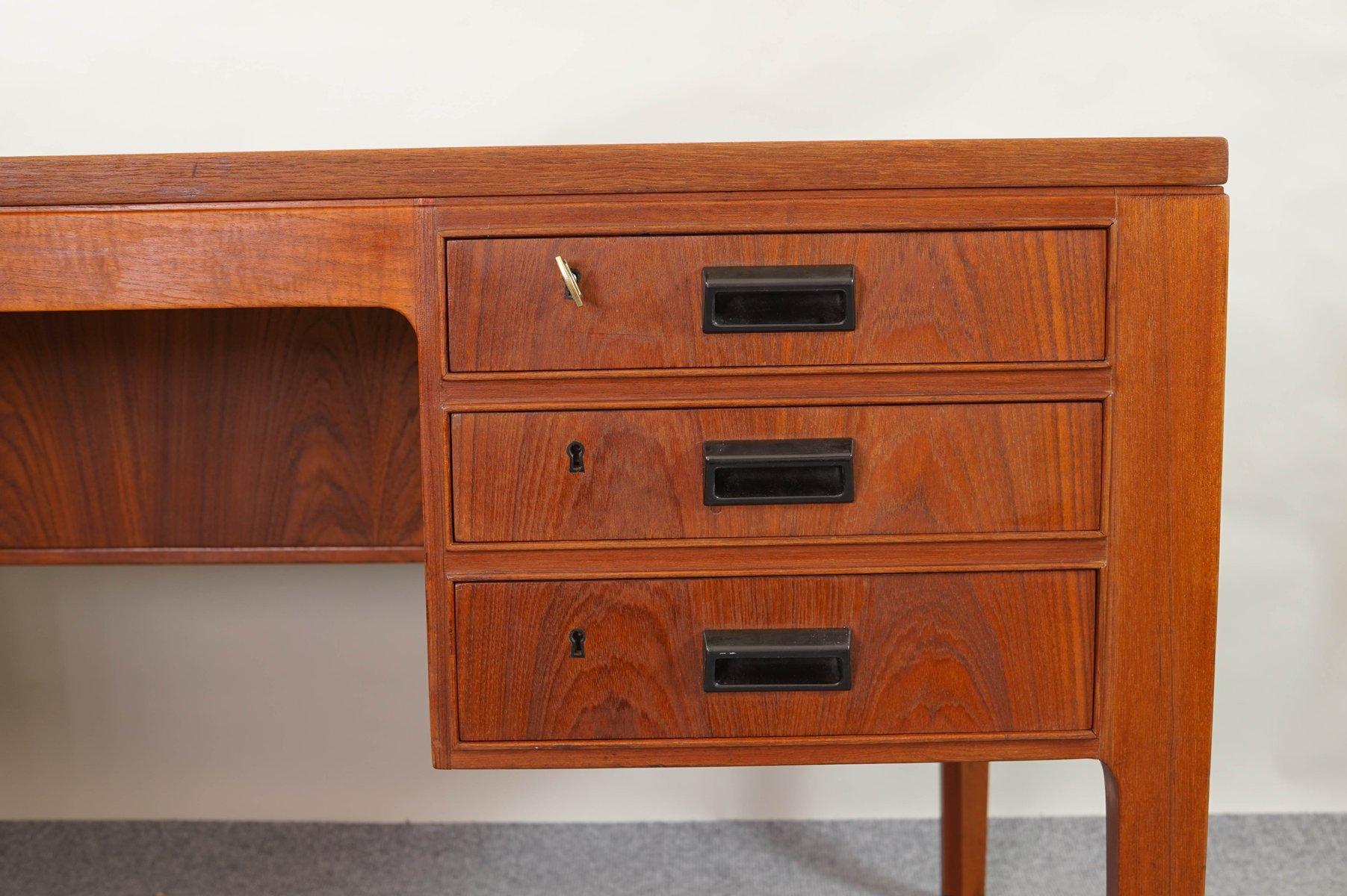 bureau en teck danemark 1950s en vente sur pamono. Black Bedroom Furniture Sets. Home Design Ideas