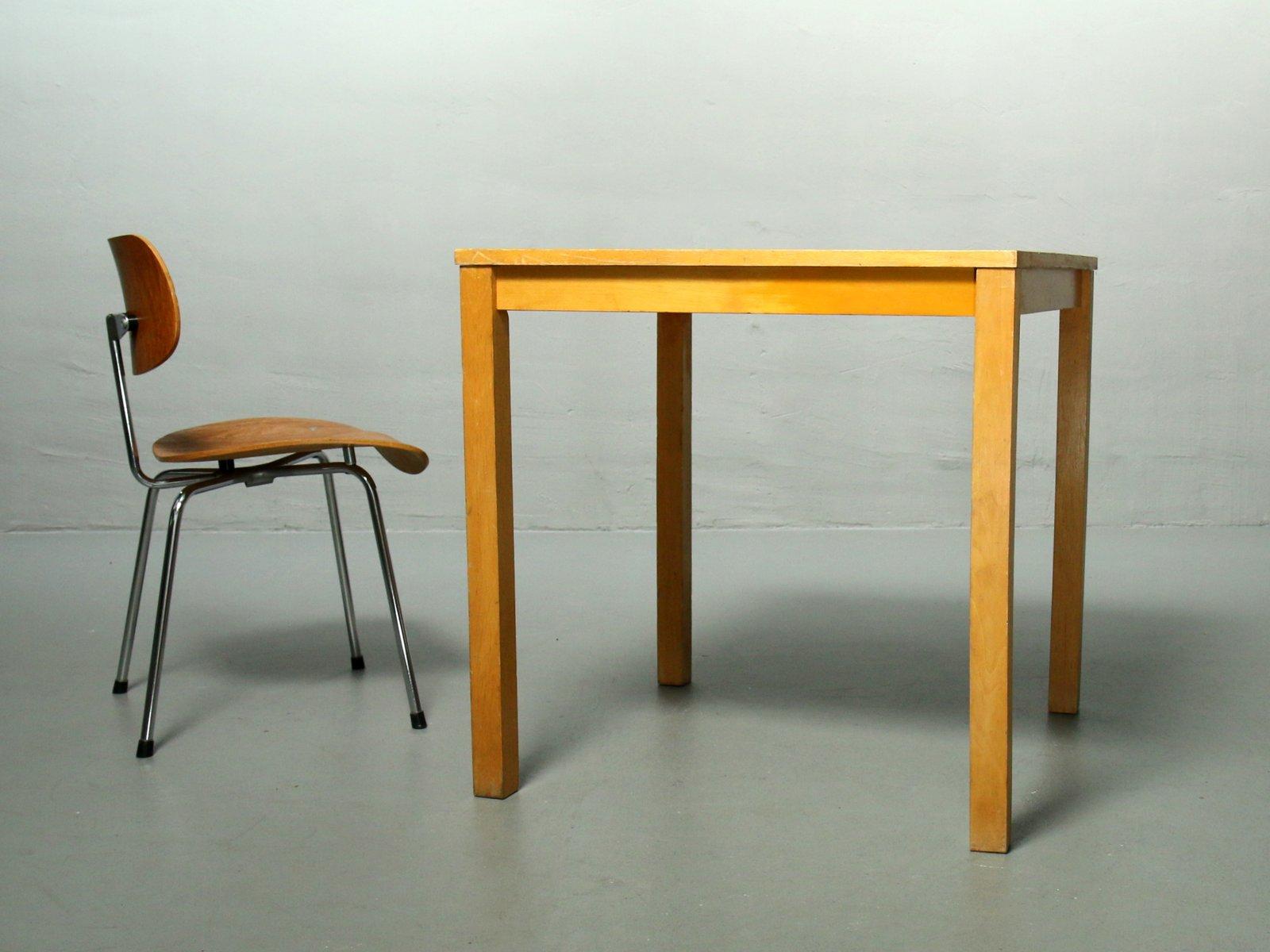 Tisch mit Linoleumplatte von Ferdinand Kramer, 1960er