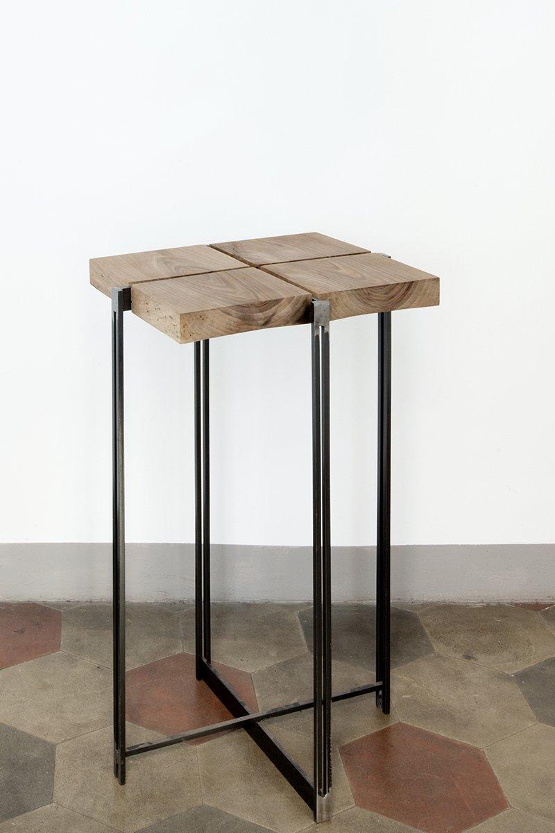 table d 39 appoint haute cross 3 par unduo en vente sur pamono. Black Bedroom Furniture Sets. Home Design Ideas