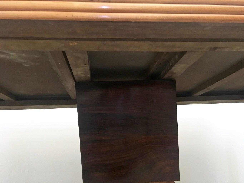 Table de salle manger en acajou et bois noirci avec - Table salle a manger verre et bois ...