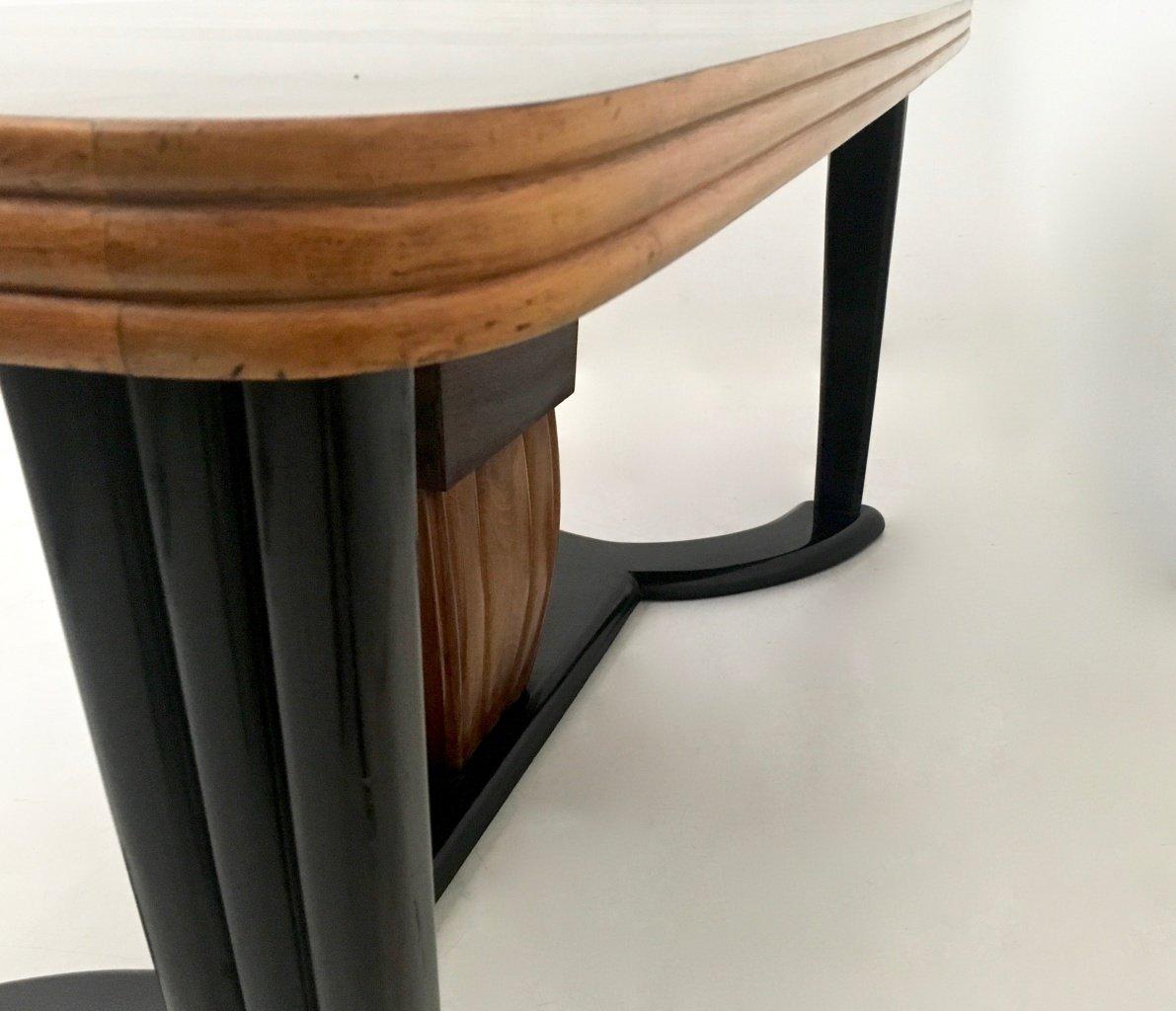Table de salle manger en acajou et bois noirci avec plateau en verre opalin noir 1940s en for Table verre et bois salle a manger