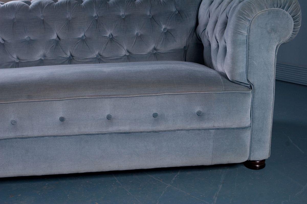 canap style chesterfield antique en velours bleu 1900s en vente sur pamono. Black Bedroom Furniture Sets. Home Design Ideas