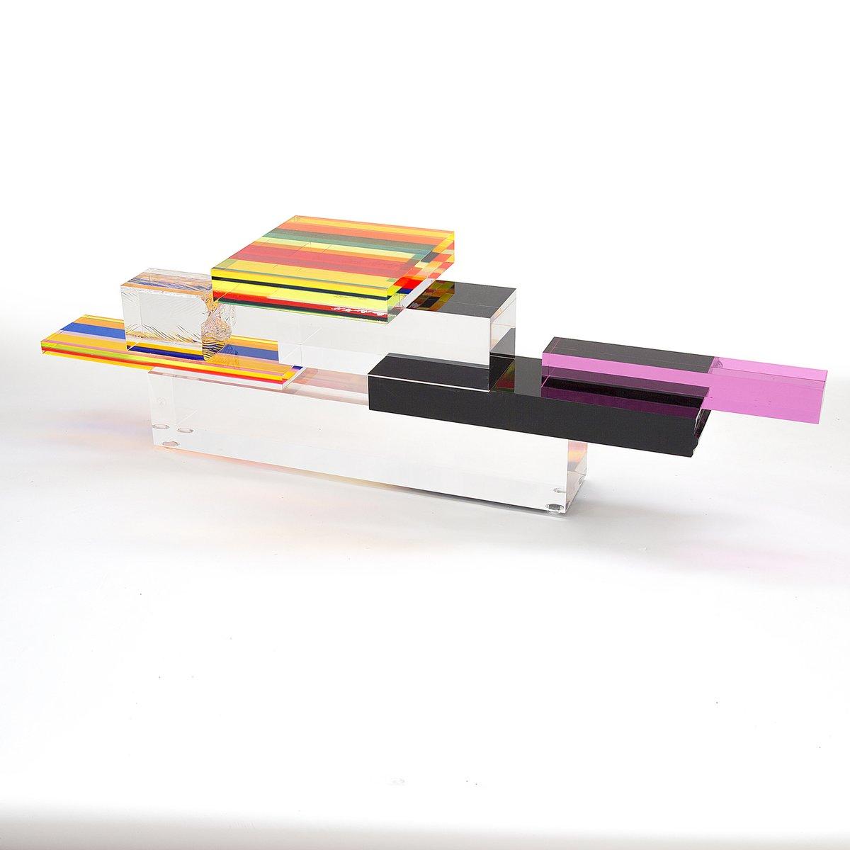 Tourmaline plexiglas couchtisch von studio superego bei for Plexiglas couchtisch