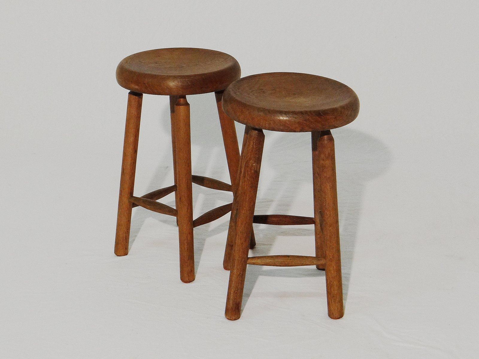 Sgabelli Noce : Sgabelli vintage in legno di noce set di 2 in vendita su pamono