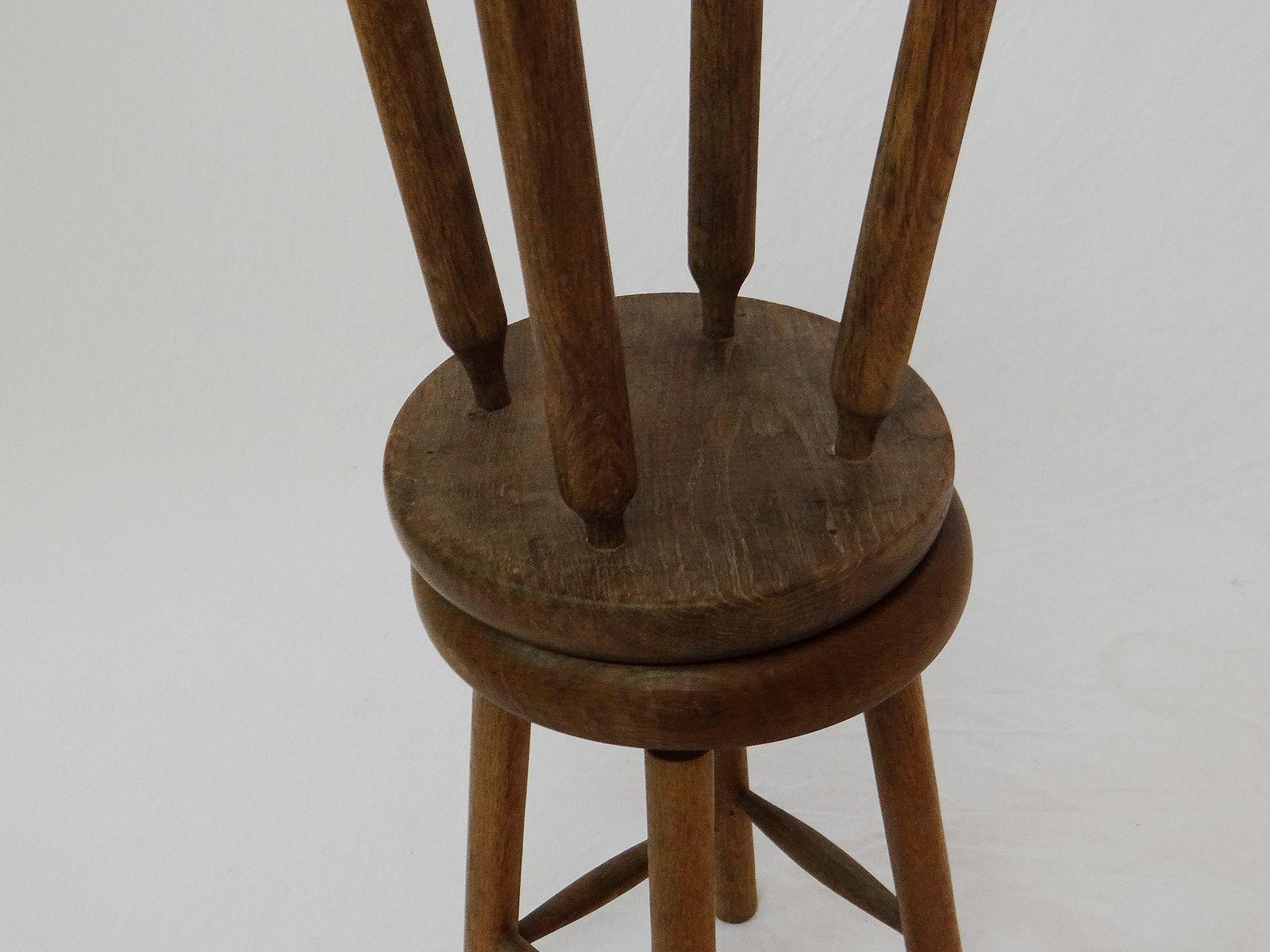 Sgabelli vintage in legno di noce set di 2 in vendita su pamono