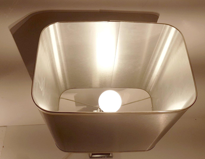 Lampe de bureau en chrome et aluminium brossé s en vente sur