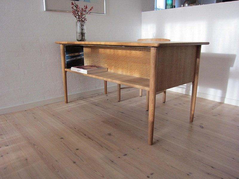 mid century eichenholz schreibtisch bei pamono kaufen. Black Bedroom Furniture Sets. Home Design Ideas