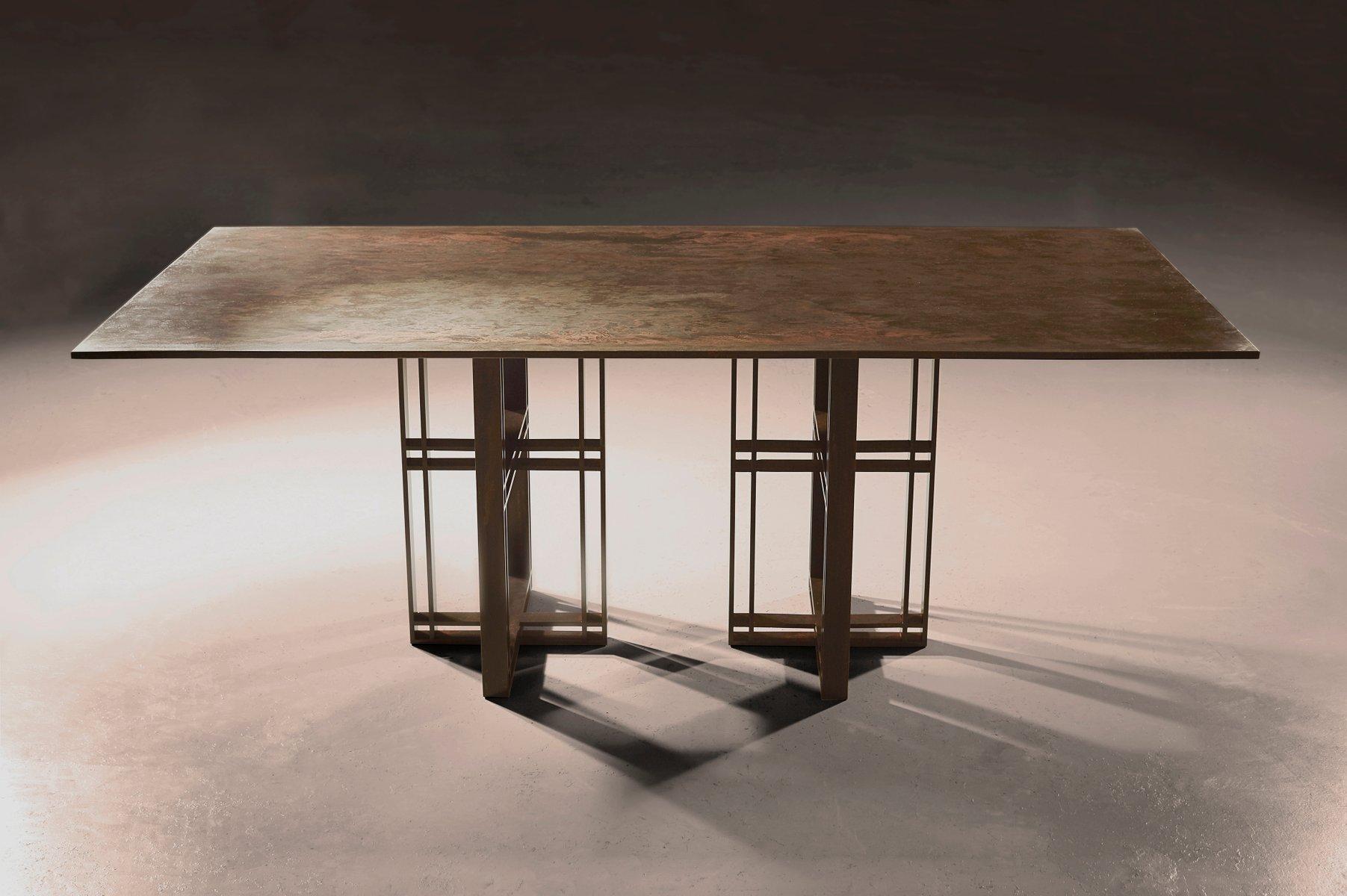 Athwart Esstisch von Richy Almond für NOVOCASTRIAN