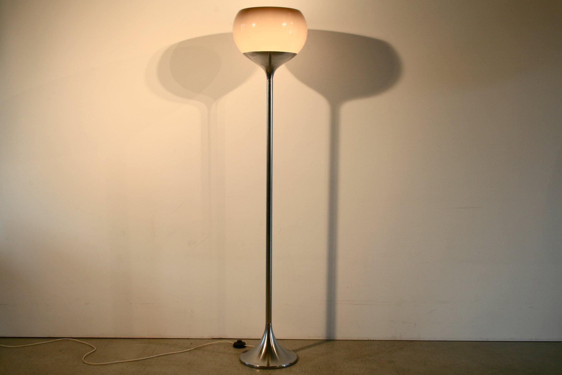 italienische stehlampe von guzzini 1970er bei pamono kaufen. Black Bedroom Furniture Sets. Home Design Ideas
