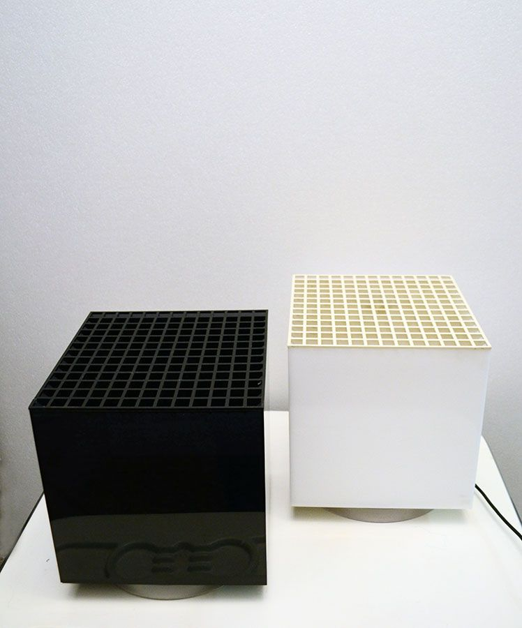 Lampen Würfel aus Schwarzem und Weißem Plexiglass von OPI Milano für C...
