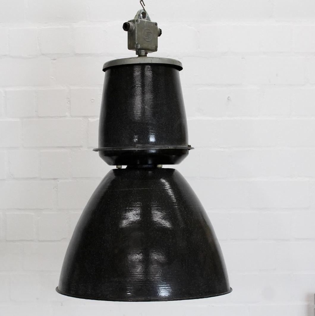 Schwarz emaillierte Typ 24 401 Vintage Loft-Lampe von Elektrosvit