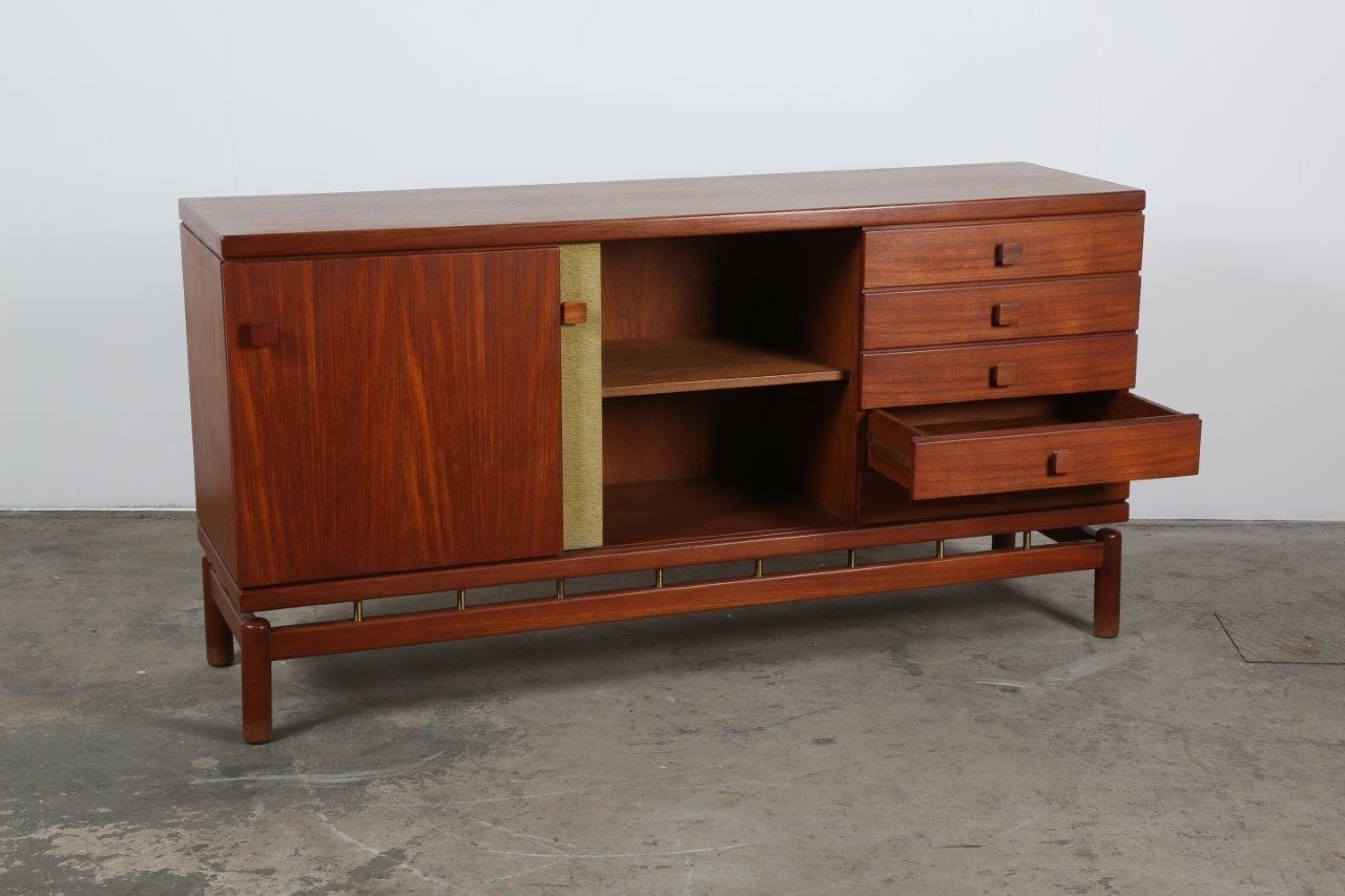 italienisches mid century sideboard von ilmari tapiovaara f r la permanente mobili cant 1950er. Black Bedroom Furniture Sets. Home Design Ideas