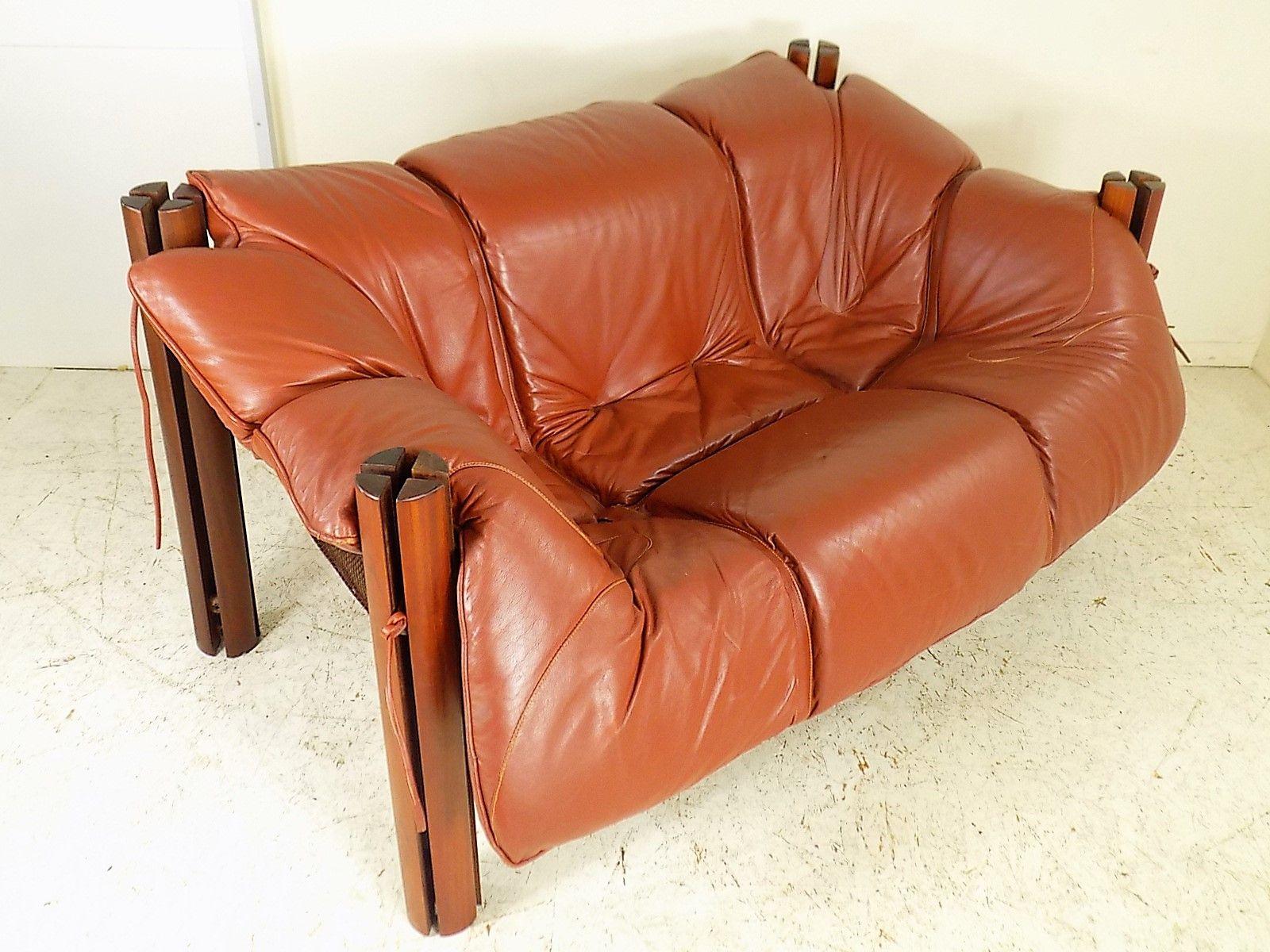 canap deux places en bois mp 211 et cuir par percival lafer 1970s en vente sur pamono. Black Bedroom Furniture Sets. Home Design Ideas