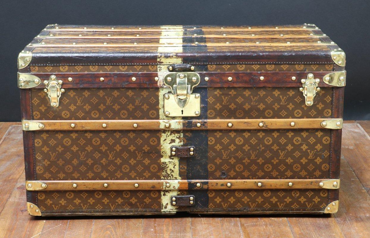 malle de voyage antique par louis vuitton 1920s en vente sur pamono. Black Bedroom Furniture Sets. Home Design Ideas