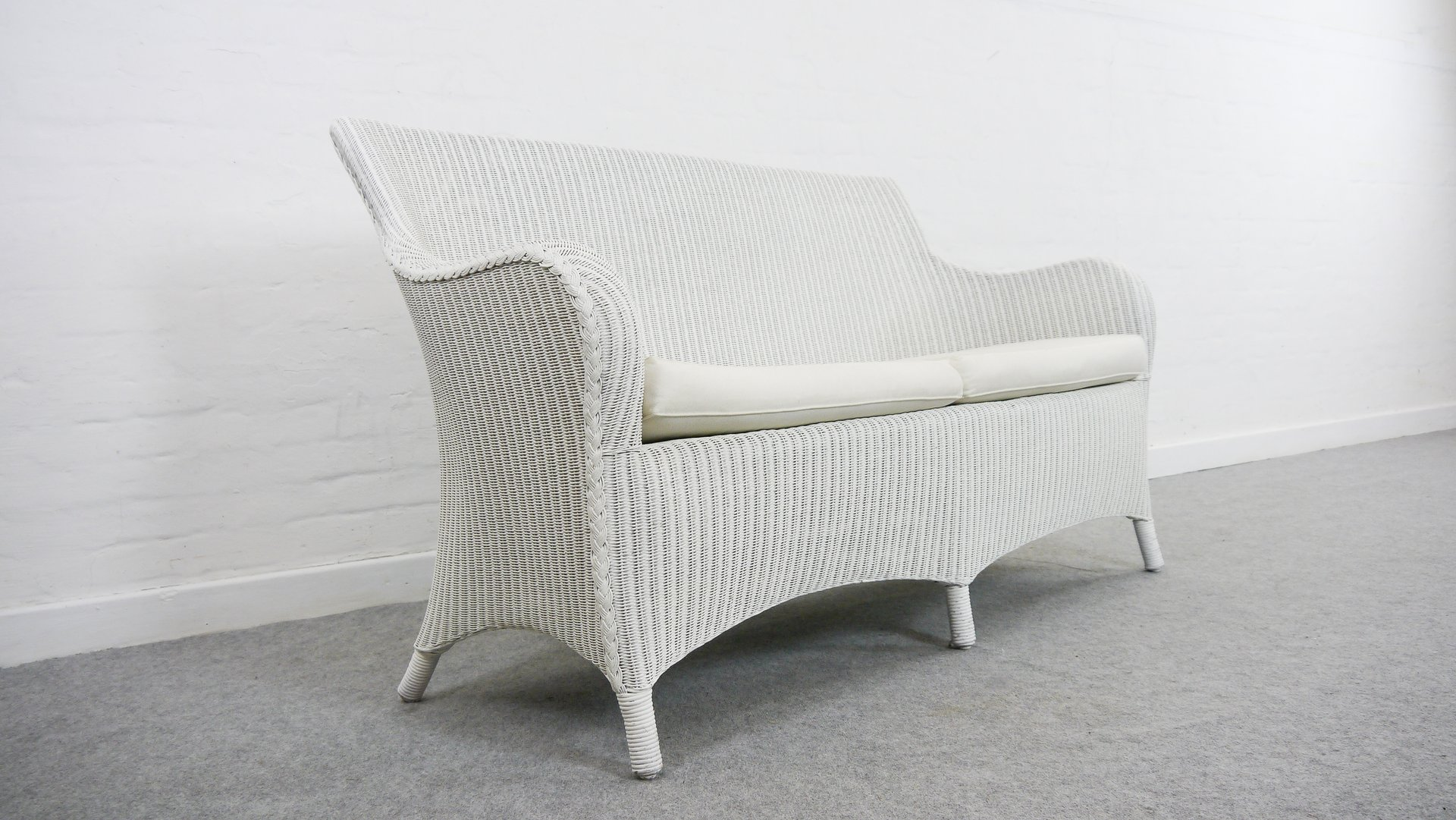 Vintage Lloyd Loom Amp Rattan White Bench From Welle For