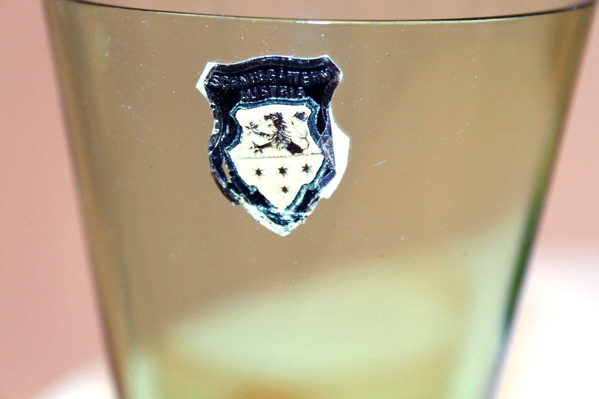 vintage karaffe und gl ser aus buntem glas von glash tte schneegattern bei pamono kaufen. Black Bedroom Furniture Sets. Home Design Ideas