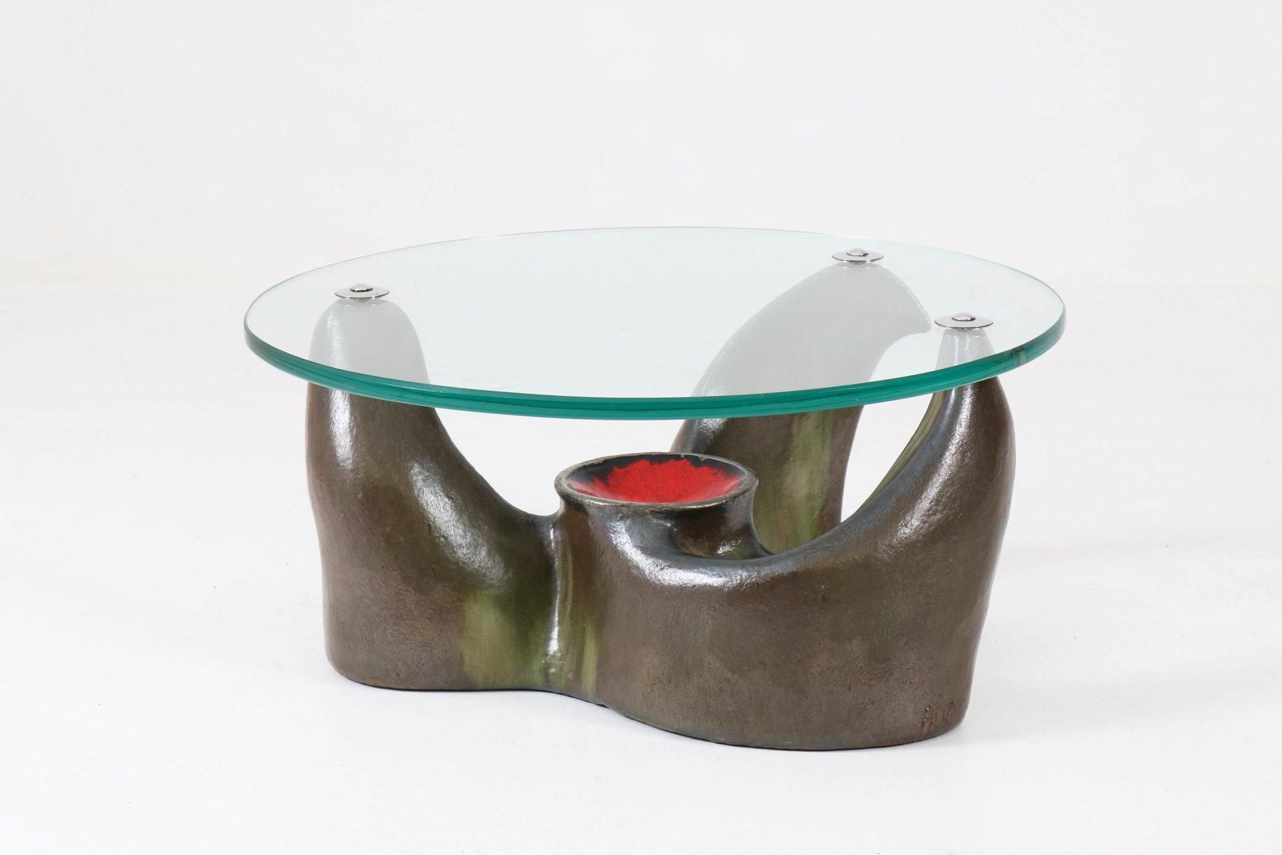 Französischer Mid-Century Modern Bemalter Terracotta Couchtisch mit Gl...