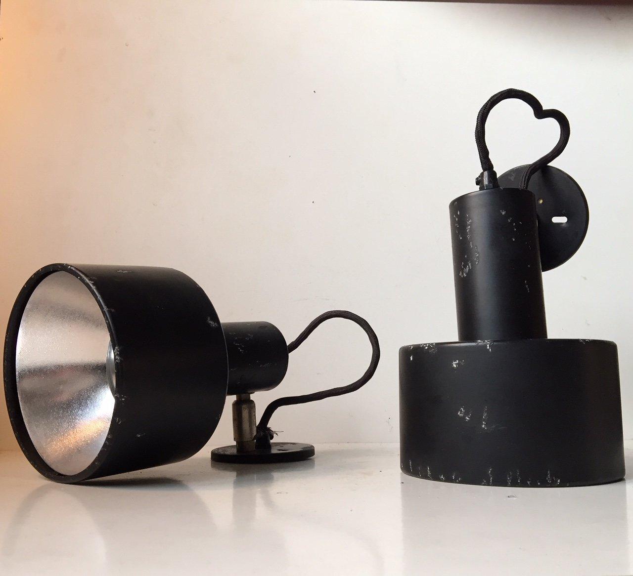 Dänische Schwarze Industrielle Vintage Wandlampen von Louis Poulsen, 1...
