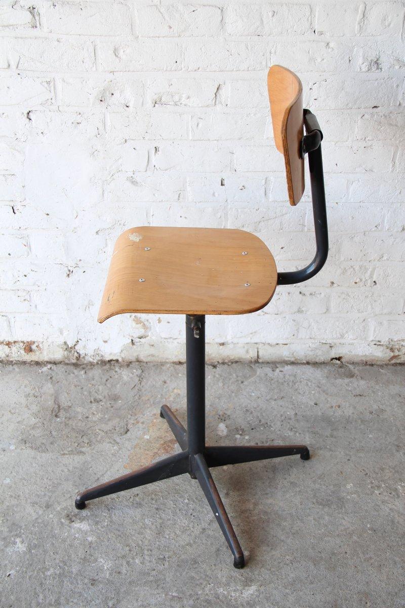chaise de bureau industrielle vintage 1970s en vente sur pamono. Black Bedroom Furniture Sets. Home Design Ideas
