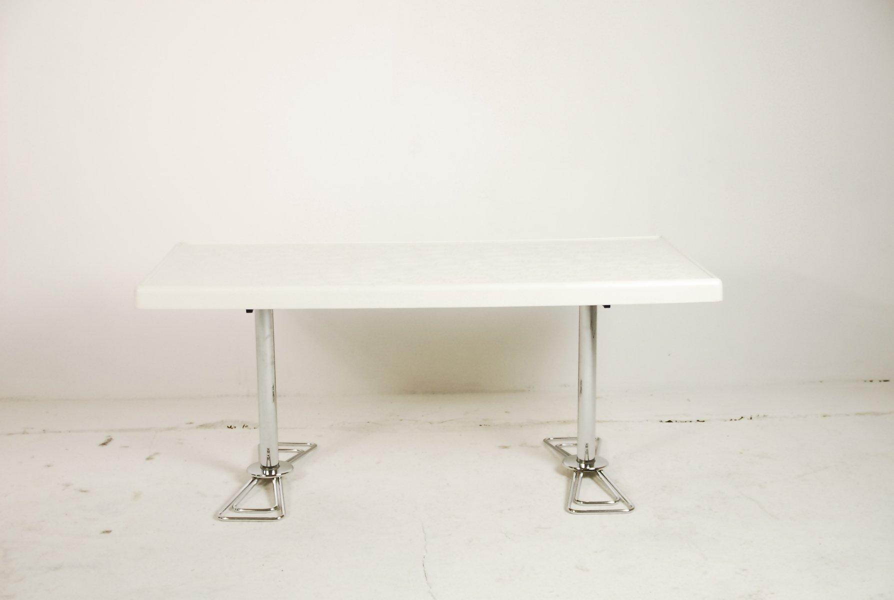table basse futuriste 1980s en vente sur pamono. Black Bedroom Furniture Sets. Home Design Ideas