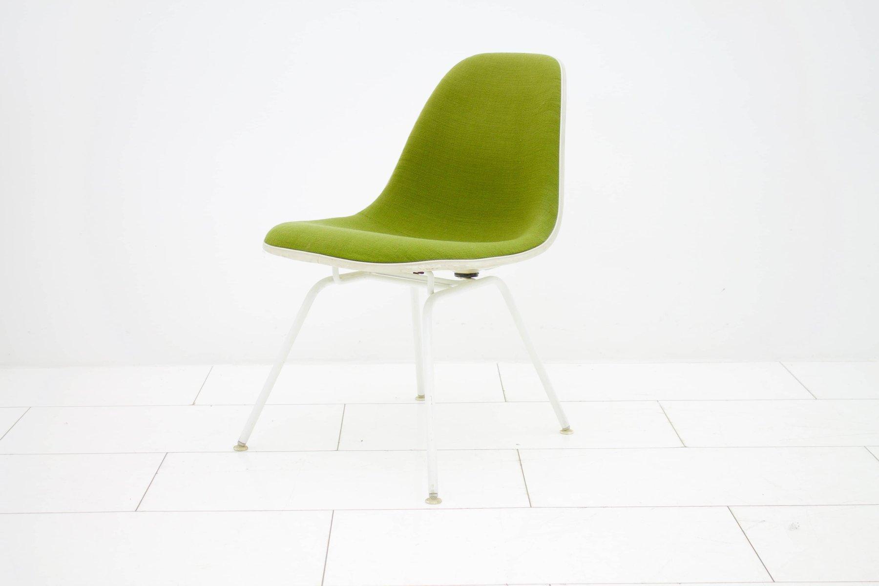 Grüner Vintage Sessel von Charles & Ray Eames für Vitra, 1950er